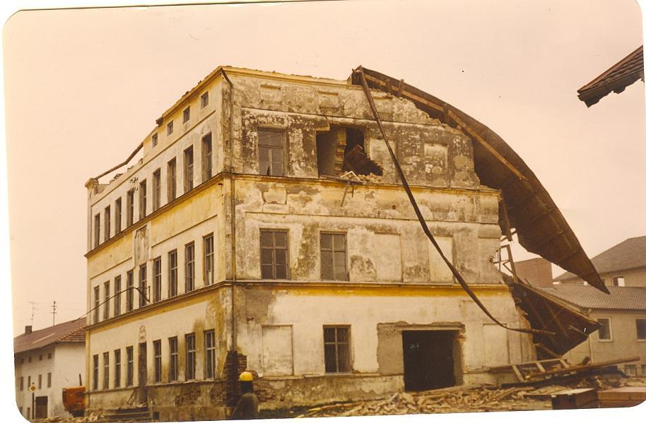 Abriss der alten Schule